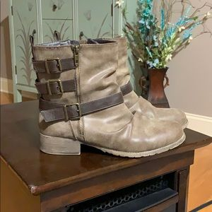 Jellypop distressed brown boots size 10